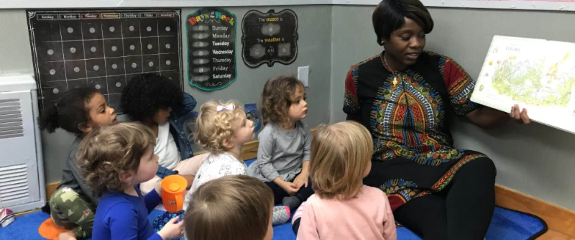 teacher teaching to the children